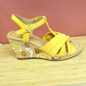 Sandale fleurie